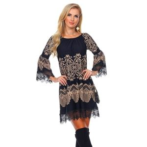 Perfect little black dress!! 🖤 💛